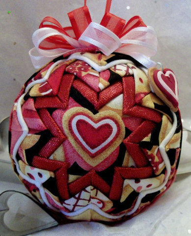 Red Heart Quilted Handmade Fabric Ornament - Valentine Cookies: © Darlkay52