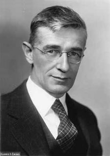 Vannevar Bush: A visionary, much like Engelbart would become.
