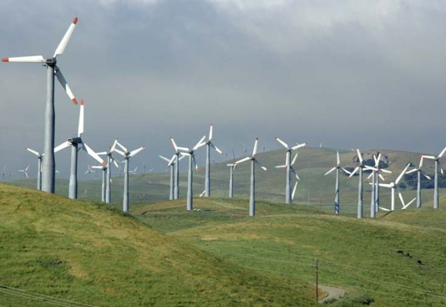 Wind, Solar, Geothermal, and Tidal Power Could Replace Fossil Fuels Entirely: Image via inhabitat.com